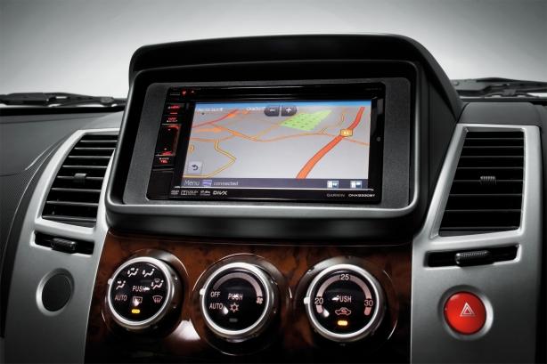 Mitsubishi-Pajero-Sport-VGT-Euro-satellite-navigation